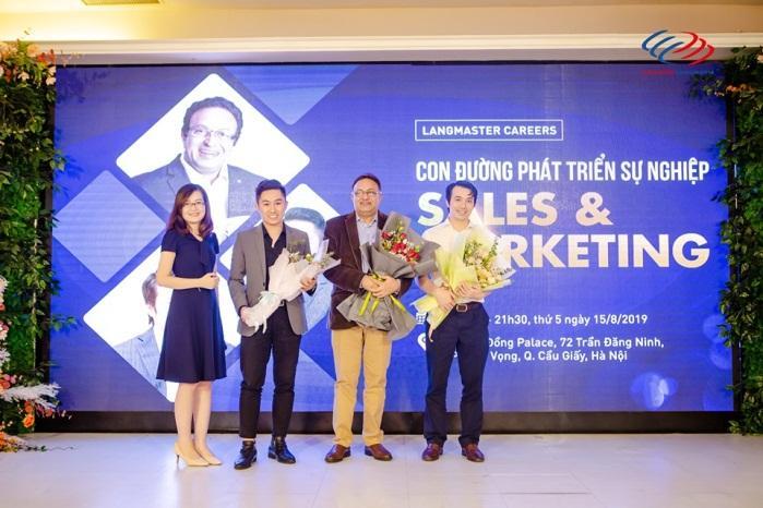 Hội thảo con đường phát triển sự nghiệp Sales & Marketing