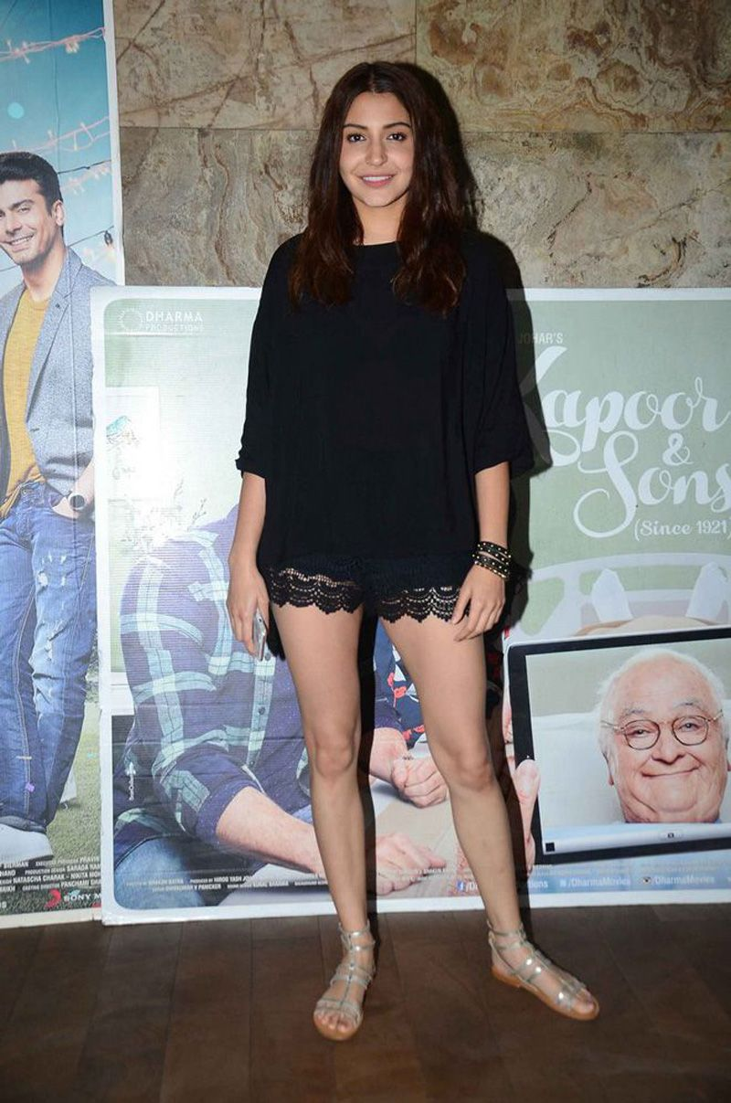 Anushka Sharma shorts very sexy