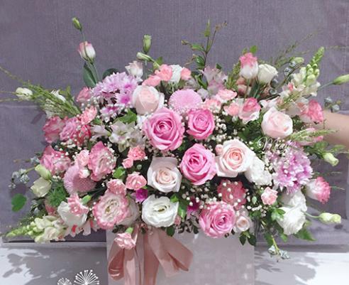 MrHoa có rất nhiều ưu điểm hấp dẫn khách mua hoa