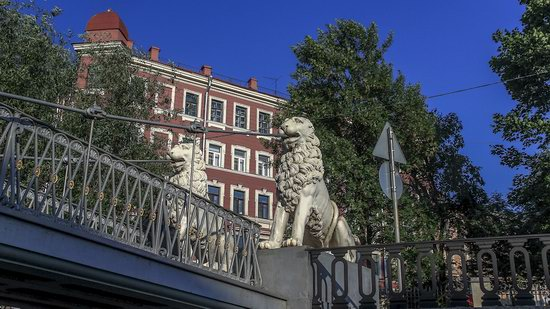 Boat trip along the canals of St. Petersburg, Russia, photo 27