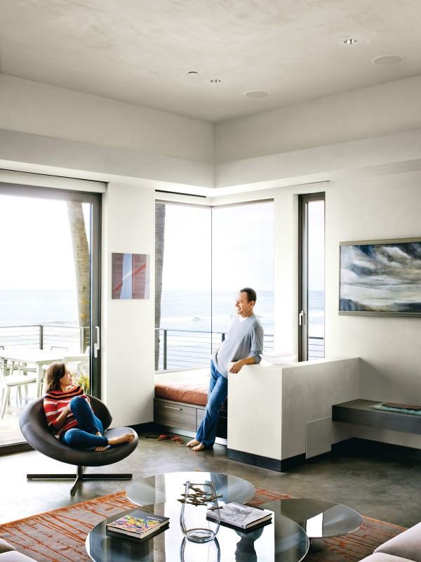 Konsep modern minimalis diterapkan sebagai gaya interior hunian - source: home-designing.com