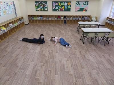 【学童クラブ】床が変わりました!
