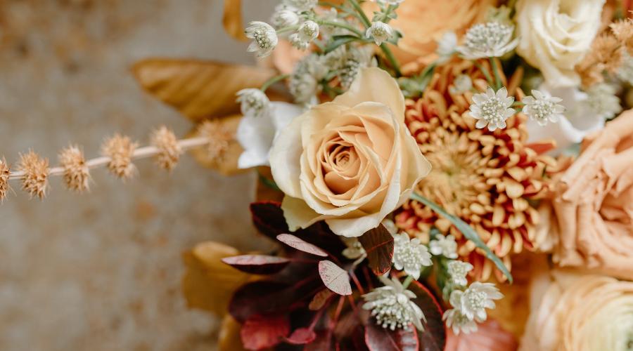 dāvana mammai ziedi