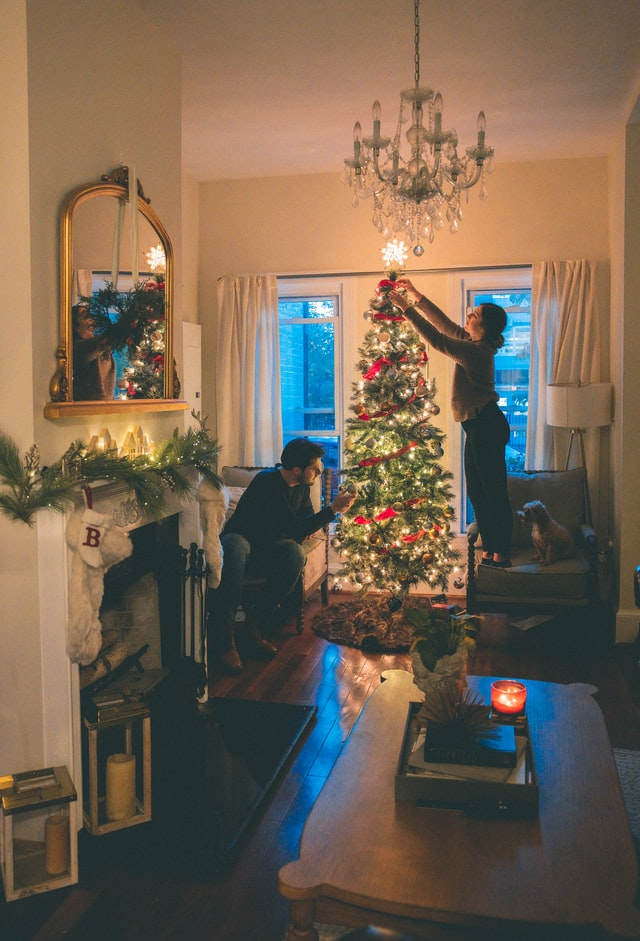 7 Easy Tips for Holiday Decoration Storage that Won't Empty Your Wallet