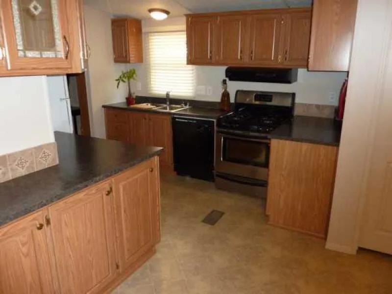 16 x 80 mobile home model in El Mirage, AZ