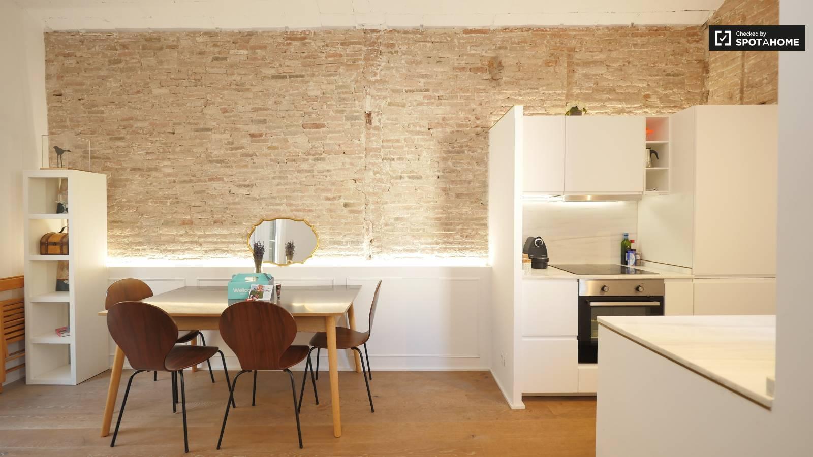 Sala de estar/cocina moderna y espaciosa