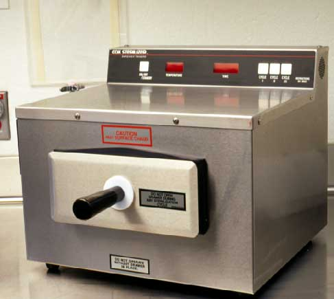 """Flash"" dry heat sterilizer for sterilizing instruments."