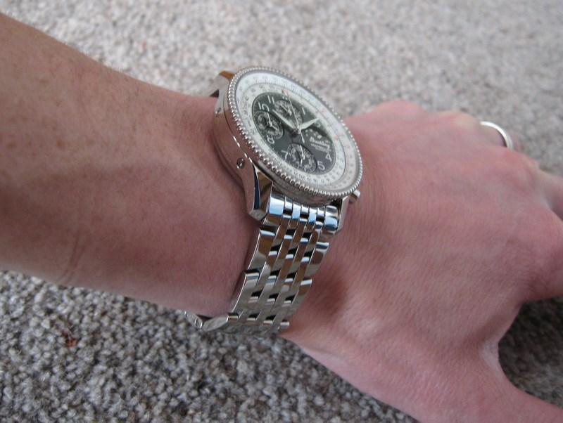 http://img828.imageshack.us/img828/1597/wristshotbracelet1.jpg