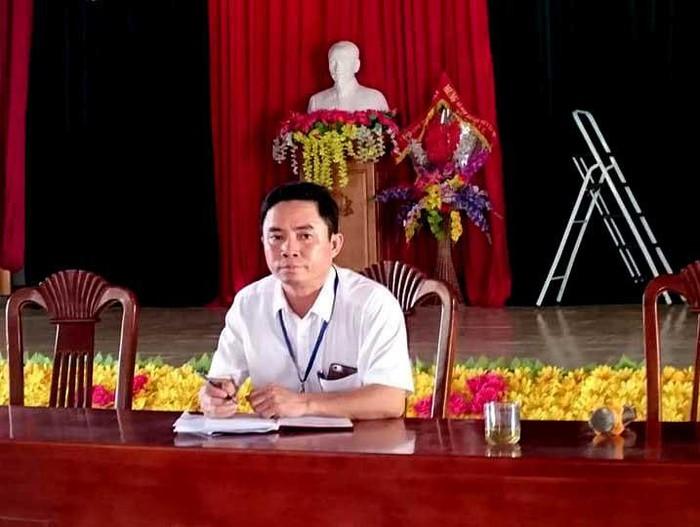 Nghệ An: Lộ bằng giả, nguyên 'bộ sậu' lãnh đạo một xã thôi việc