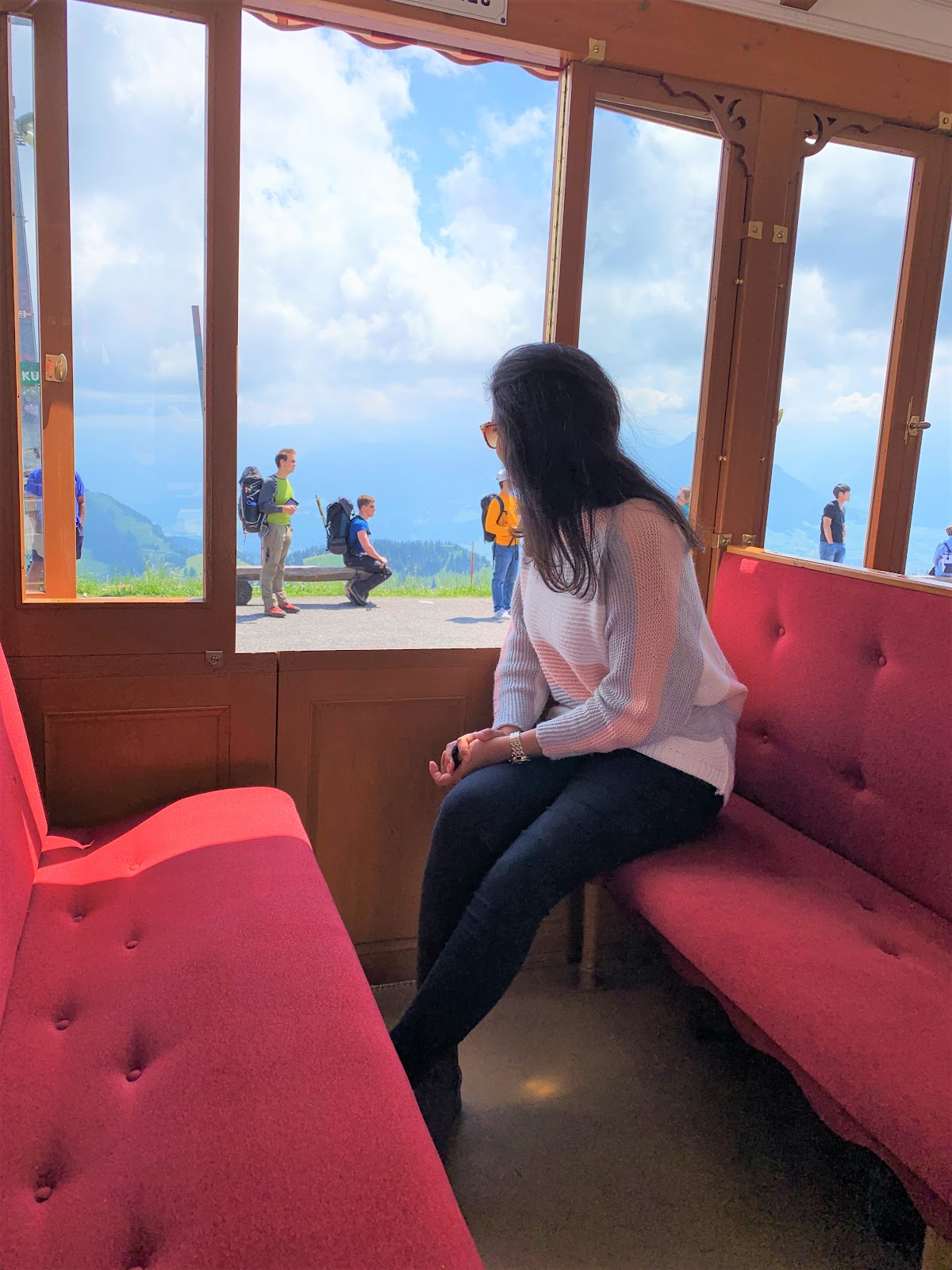 Train from Vitznau to Rigi Kulm. Guide to visiting Rigi