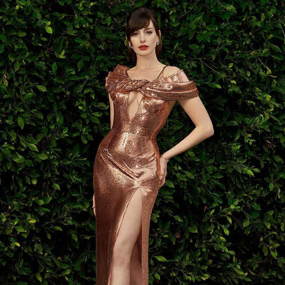 Anne Hathaway's Couture-Filled Instagram Posts Are the Glamour We Need  Right Now | Vogue