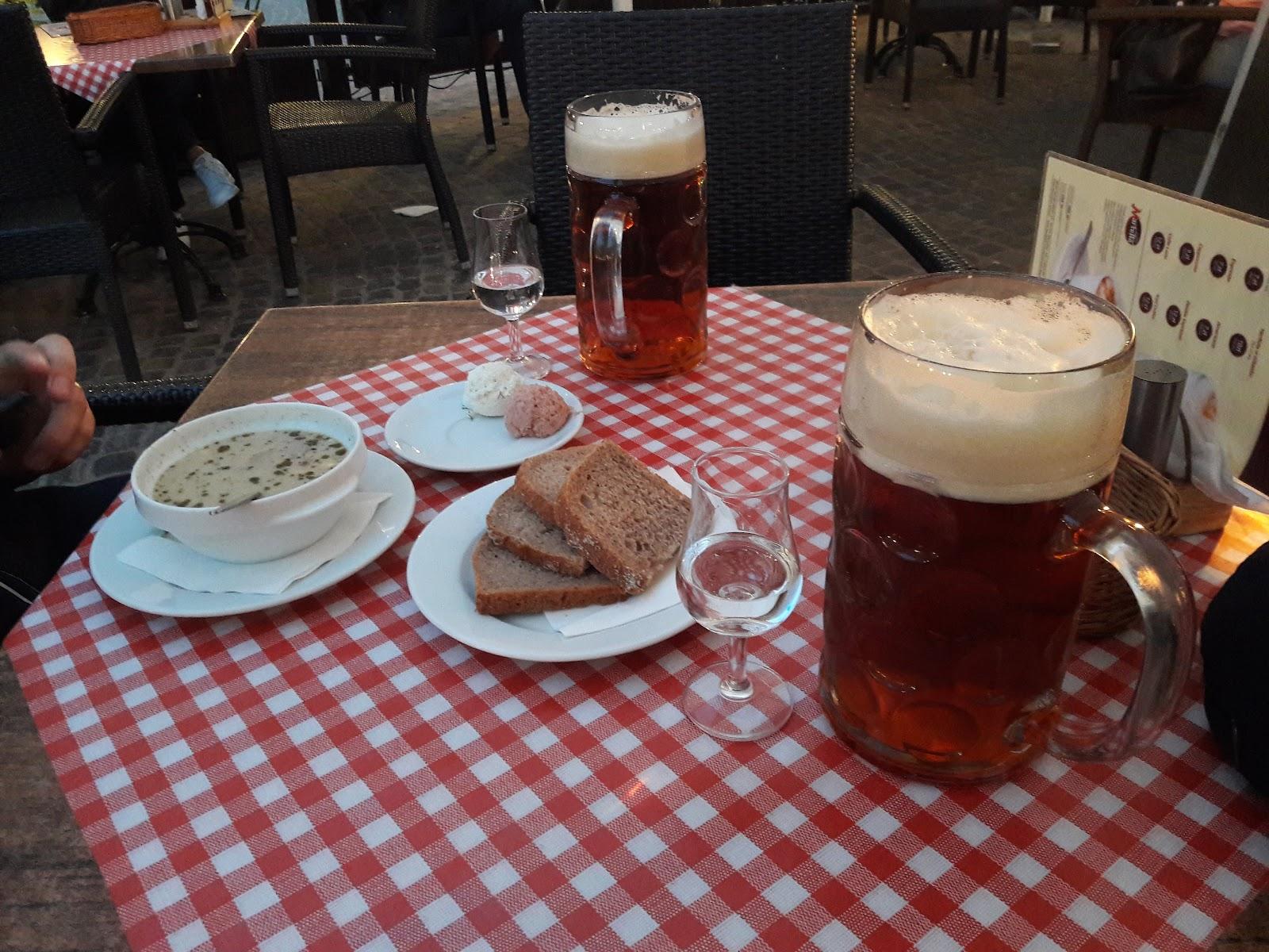 Večera vo Waršawe - Žurek, domáce pivo a domáca slivovica 72%