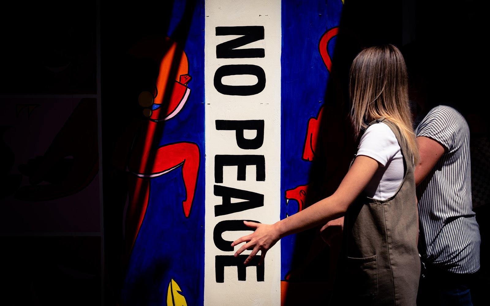 No Peace sign