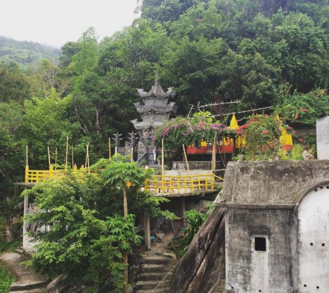 Núi Chứa Chan Gia Lào tại tỉnh Đồng Nai