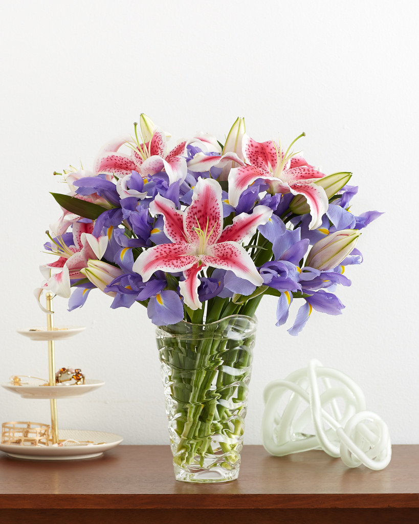 Lily flower colour meaning and symbolism fresh flowers historically lilies are the flowers to gift when celebrating a 30th anniversary but with so many different varieties of lilies you dont have to wait for izmirmasajfo