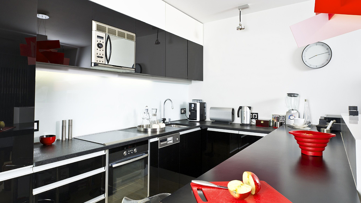 Pictures-Of-Black-Kitchens.jpg