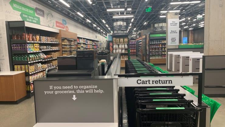 Amazon inaugura su primera tienda sin cajeros 3