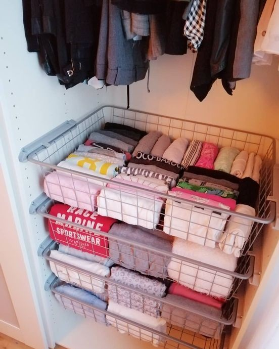 To fold clothes