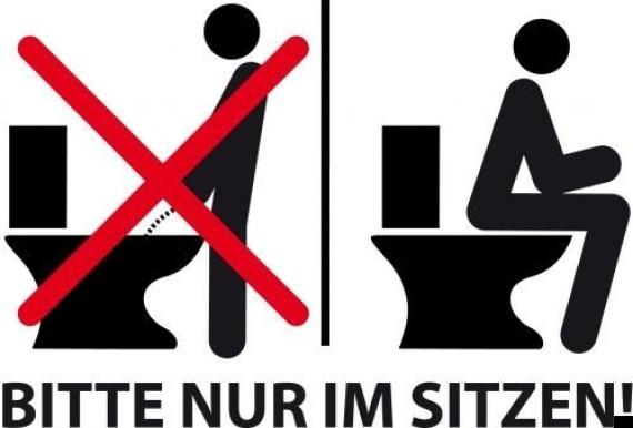 Hãy học người Đức: Muốn làm một quí ông lịch sự, hãy ngồi xuống khi đi tiểu - Ảnh 1.