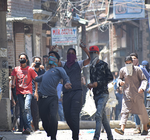 Srinagar-Jammu highway closed over separatists' protest call