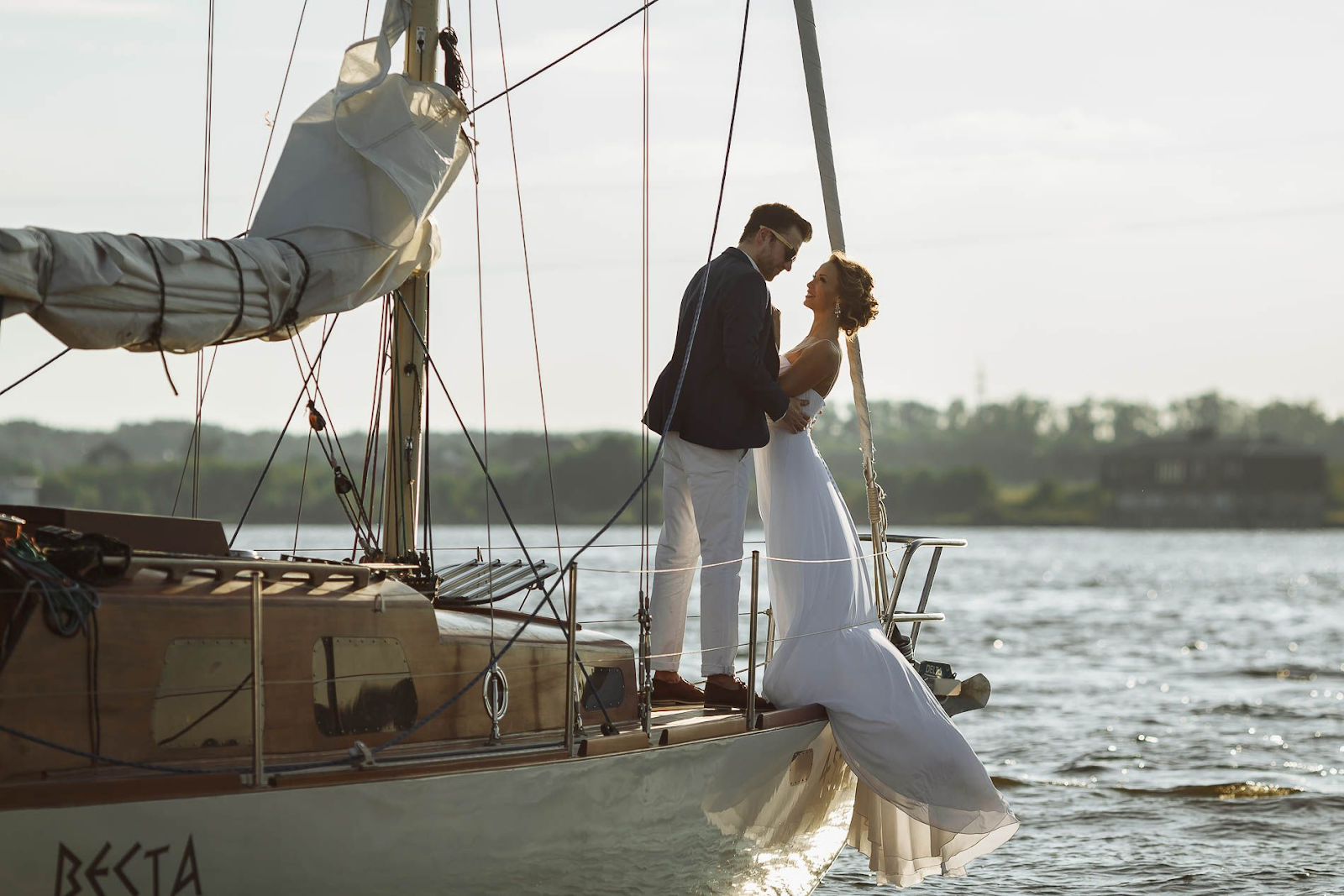 destination wedding on yacht