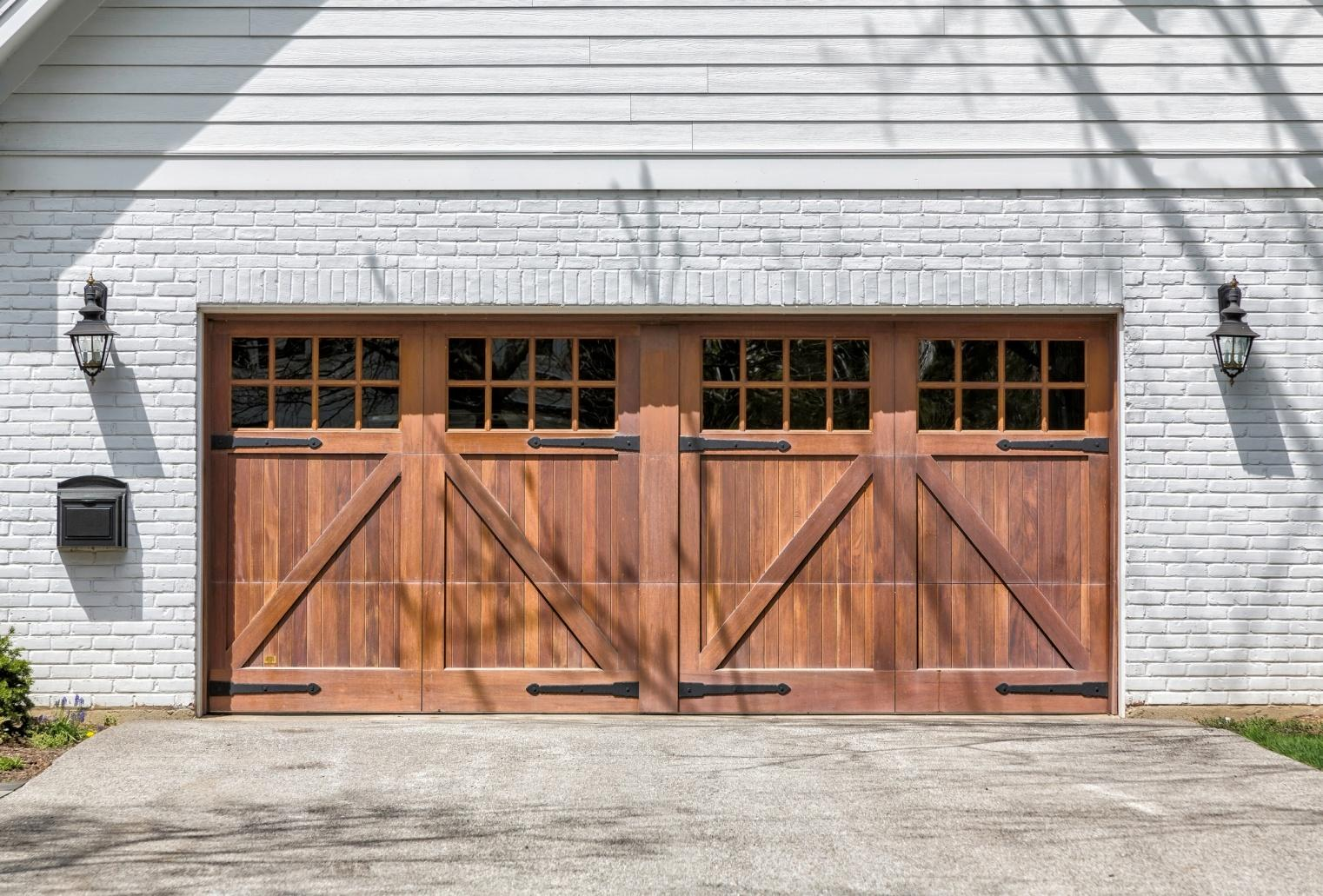 D:\Works\Order\Feb 2019\SP_FEB_18\Install A Replacement Garage Door.jpg