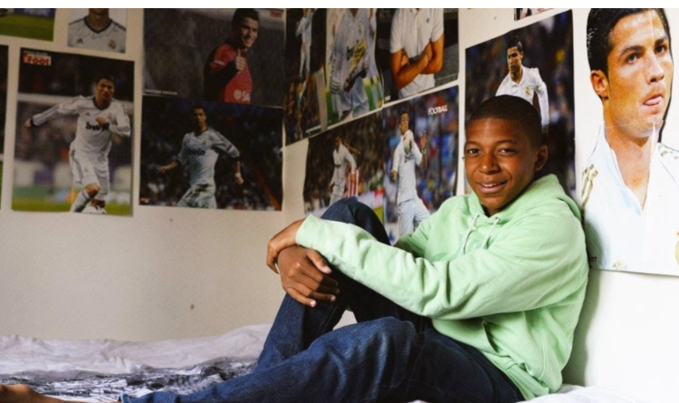 Ronaldo was a real icon for the young player whose entire room was covered in posters