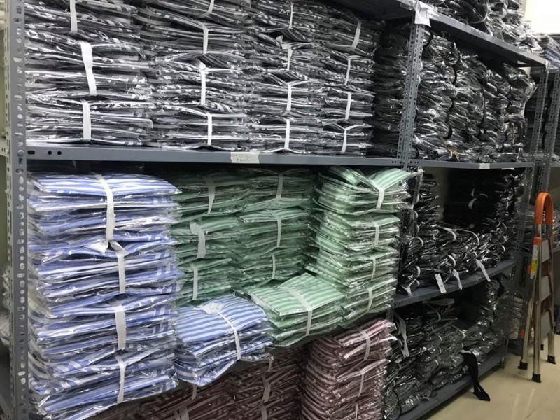 Kệ sắt v lỗ - Dòng kệ kho quần áo bền, đẹp, rẻ