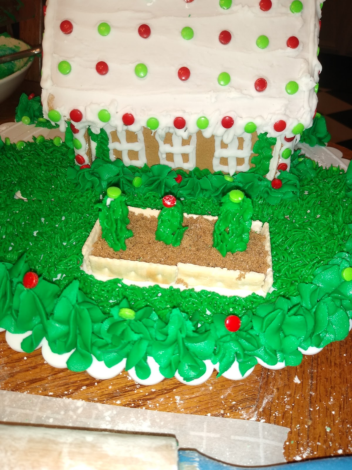 buttercream frosting grass and trees
