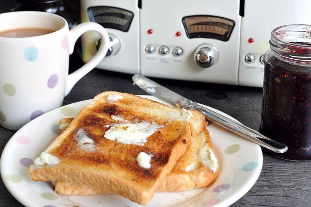 C:\Users\rwil313\Desktop\Tea and toast (chile breakfast).jpg
