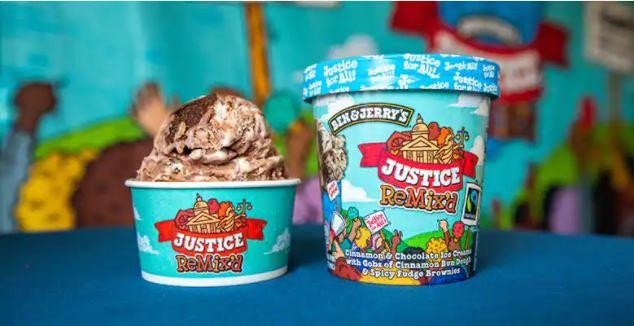 """Foto del gelato del brand Ben&Jerry's in coppetta al gusto di cannella e cioccolato, prendendo il nome di """"Justice Remixed"""" per schierarsi a favore della lotta al razzismo. Fonte: sito ufficiale Ben & Jerry's"""