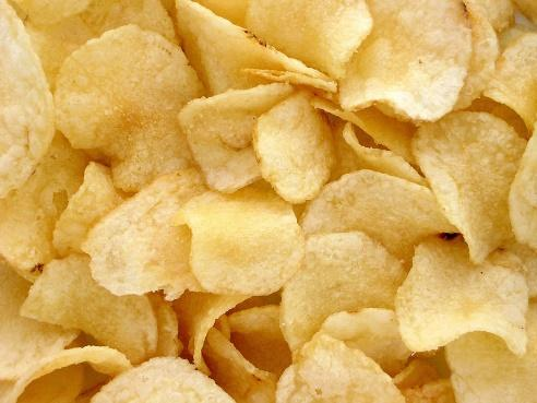 https://upload.wikimedia.org/wikipedia/commons/thumb/6/69/Potato-Chips.jpg/800px-Potato-Chips.jpg