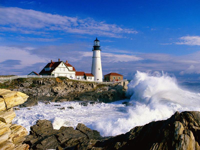 Ngọn hải đăng Cô tô là một trongcácđịa điểm du lịchcác bạnnhất định nên ghé thăm khi tới hòn đảo ngọc này