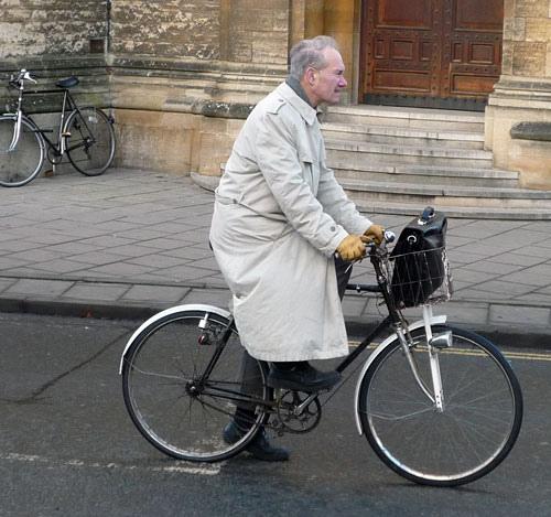 old-man-grey-coat   Tejvan Pettinger   Flickr