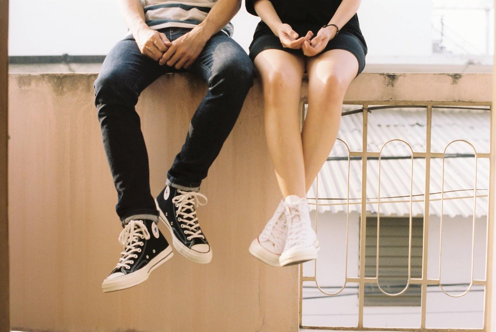 ragazzi-scarpe-converse