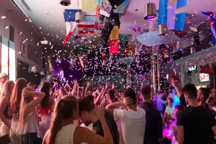Miami Beach Nightclub COnfetti Blast Nightclub Party Package SOuth Beach