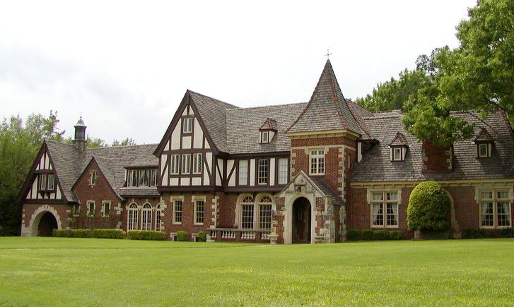 Tudor Style House.png