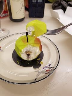 Apple cream dessert