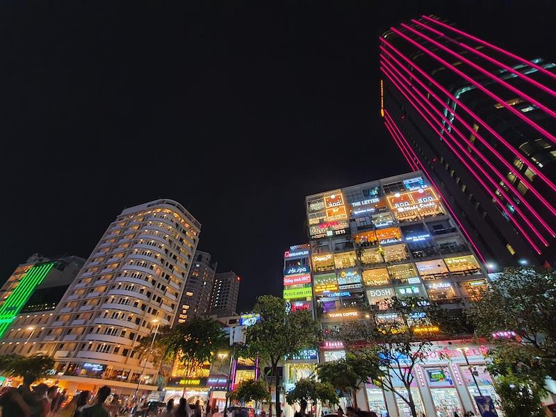 Điện thoại Samsung Galaxy Note 10 | Ảnh chụp ban đêm