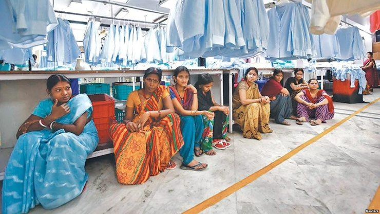Employees-sit-during-their-lunch-time-inside-a-textile-mill-in-India-18072017093543-1000x0-1-740x416.jpeg