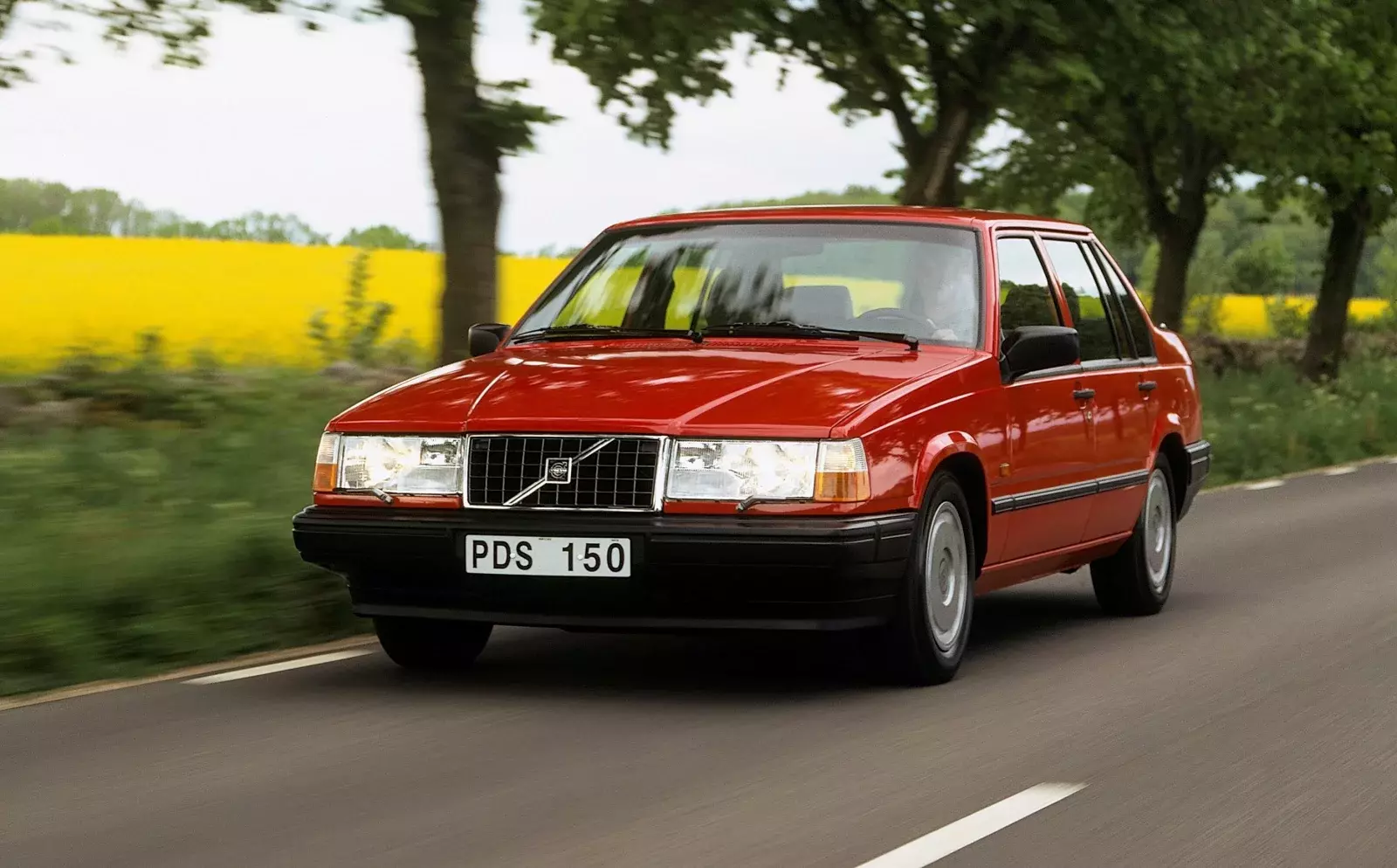 mașini din ultimii 10 ani Volvo Seria 900
