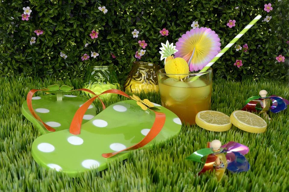 garden-party-1499060_960_720.jpg