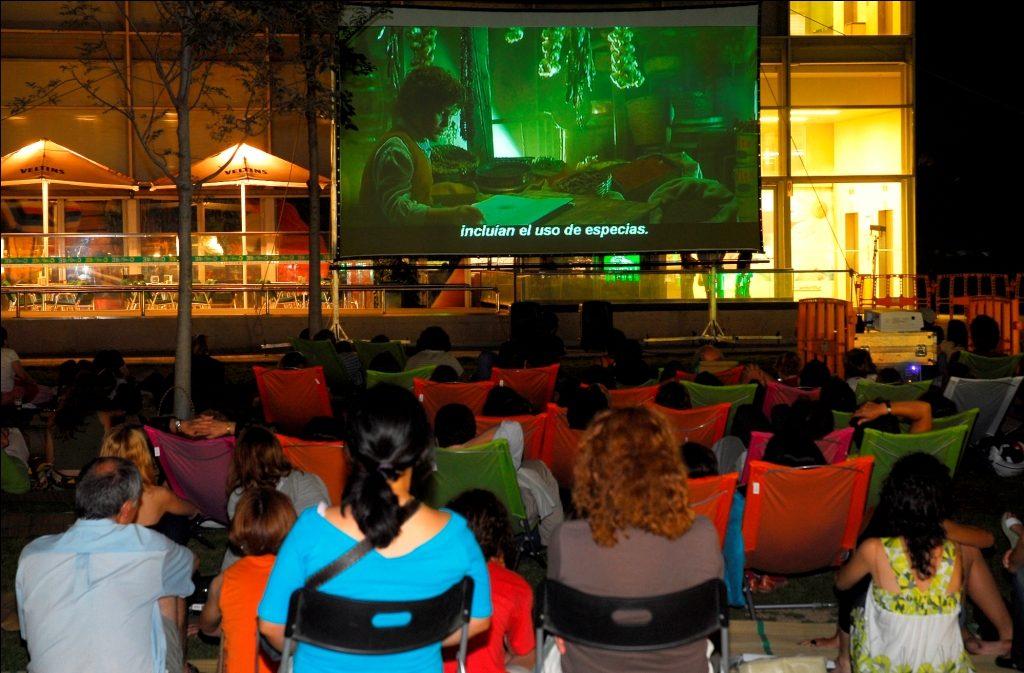 Cinema al aire lliure-la illa