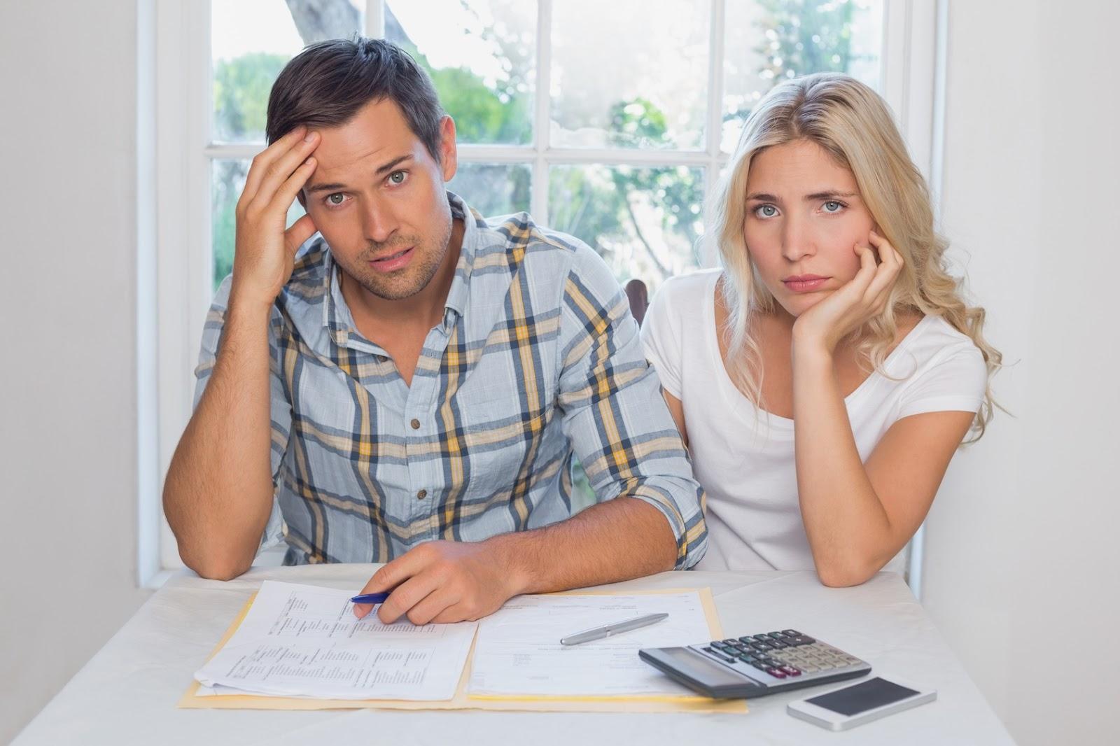 Đa số các ông chồng có bồ nhí bên ngoài thường không minh bạch về các khoản chi