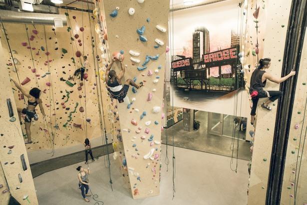 Pareti d'arrampicata in ufficio