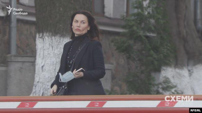 27 березня знімальна група помітила там ексдепутатку від «Самопомочі» Ірину Сисоєнко