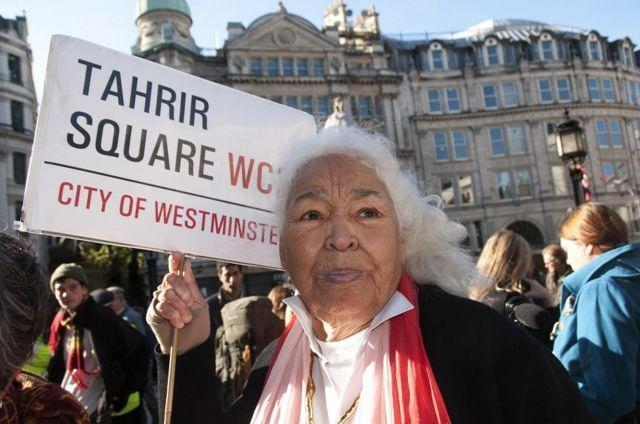 """نوال سعداوی در لندن در میان فعالان """"لندن را اشغال کنید"""""""