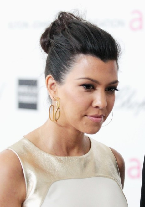 Kourtney-Kardashian-Casual-Loose-Bun-Updo-Hair-Style.jpg