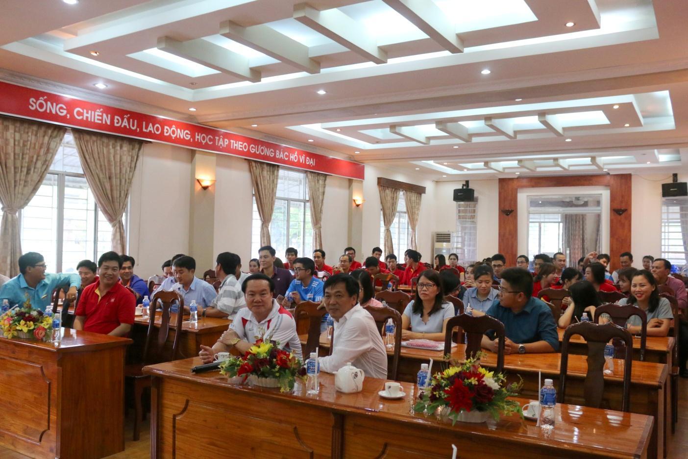 Description: 1. Buổi làm việc giữa Ban lãnh đạo Sao Mai Group và Ban lãnh đạo BIDV chi nhánh Nam kỳ Khởi nghĩa.JPG