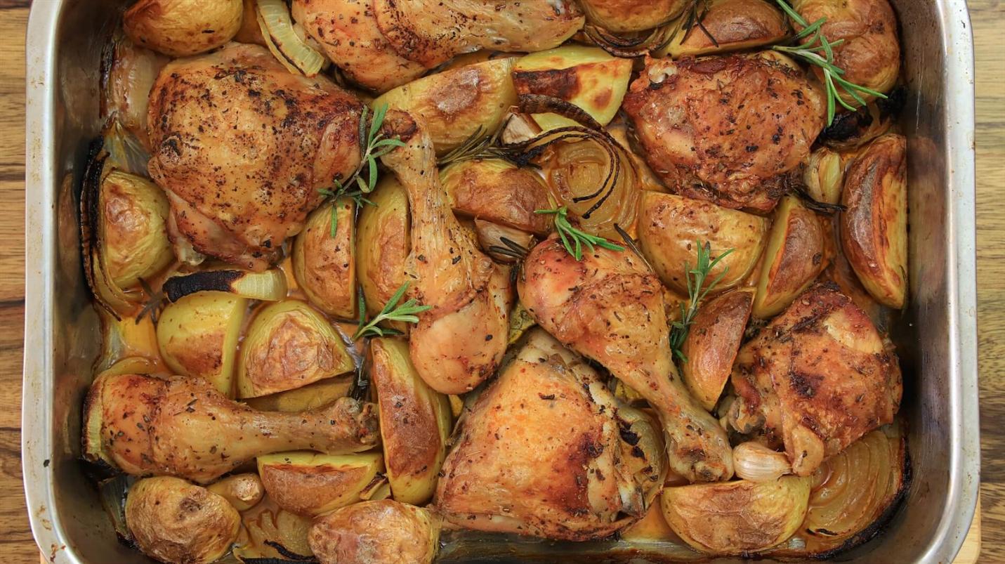 Roasted Chicken and Potatoes Traybake recipe
